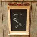 Rusztikus konyhai felíró tábla, Fából készített, fehérre festett, erősen ör...