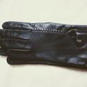 Fekete férfi bőrkesztyű 91/2-es, Ruha & Divat, Férfi ruha, Bőrművesség, Varrás, Fekete juhnapa bőrből, gyapjú béléssel készült. A felsőrész kézi előlyukasztás után szálfűzéssel le..., Meska